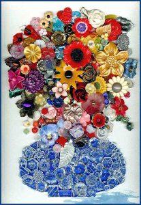 Fantastisk tavla med glasknappar till vas och massor av olika vintageknappar i plast och glas.